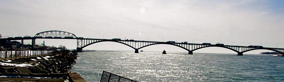 Buffalo New York - Peace Bridge to Canada