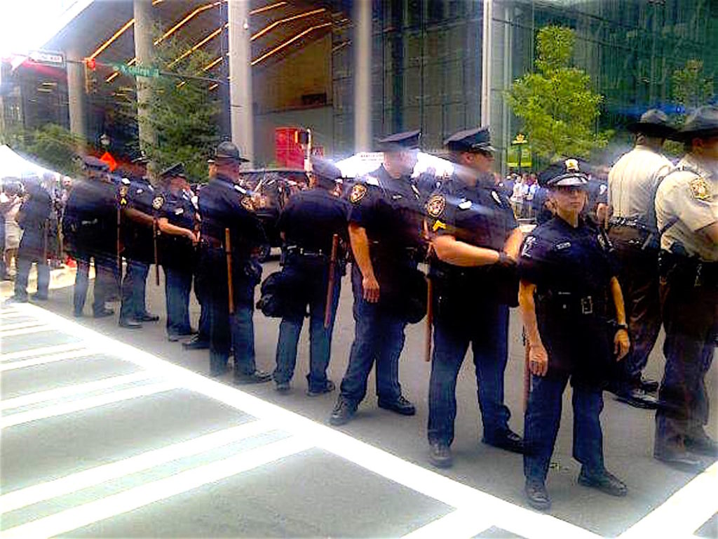 More-Cops-lined-up-SM