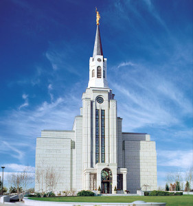Mormon-temple-mass