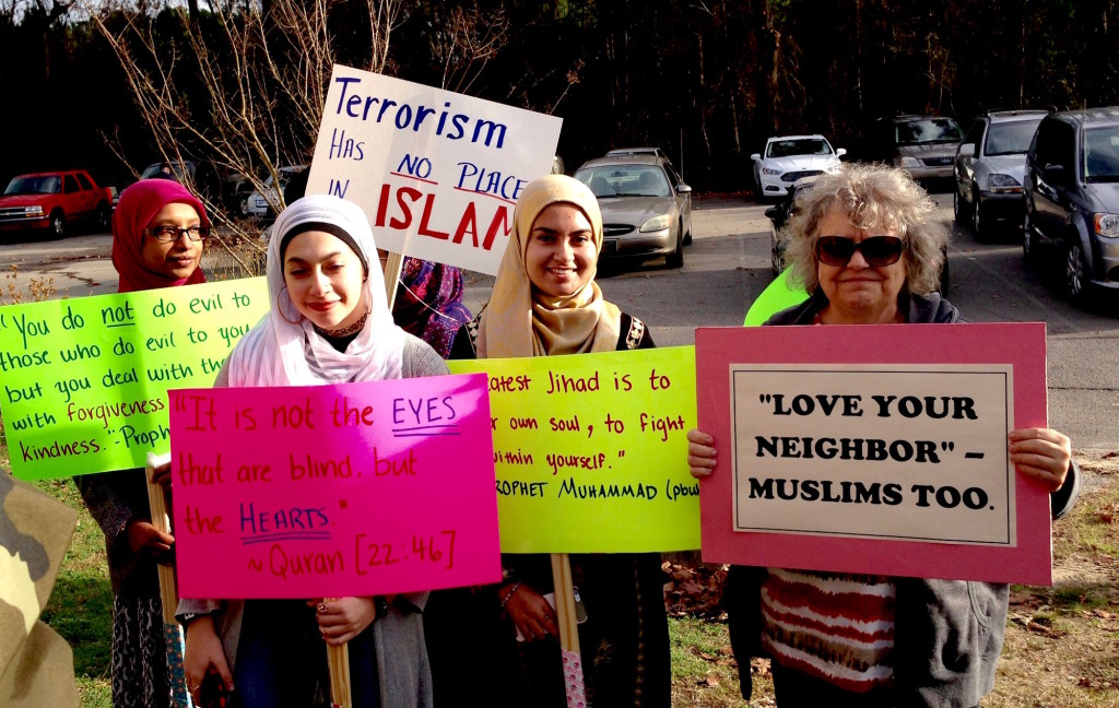 Muslims-Debbie-n-Friends-SM