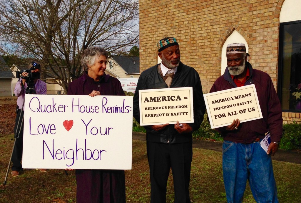 Muslims-Lyn-Newsom-QH-Signs-12-18-2015
